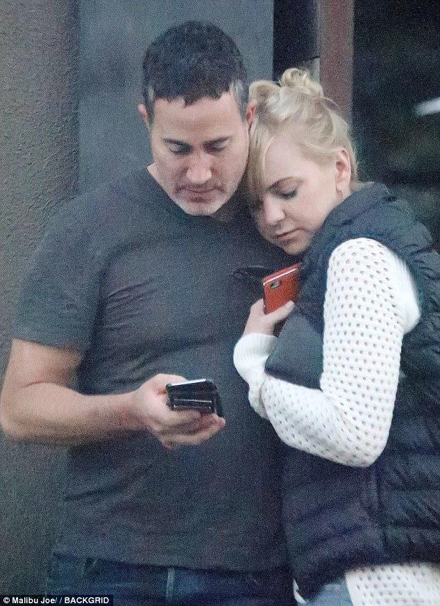 Anna Faris And Michael Barrett Cuddle Up In LA Daily