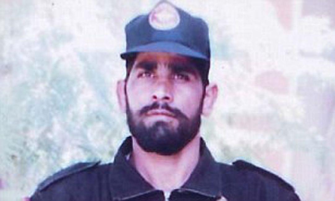 Digendra Kumar: Kargil hero wounded by government: Maha Vir Chakra winner  shot five times is denied border war benefits   Daily Mail Online