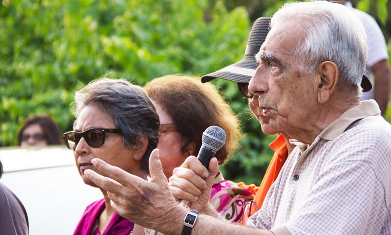 Former bureaucrat, Roedad Khan addressing the protestors. -Photo courtesy of Kuch Khas.