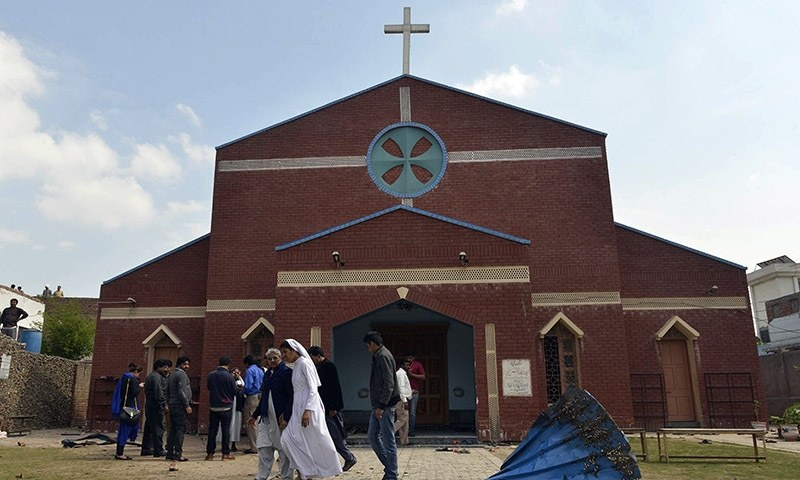 Twin suicide attacks on churches in Lahore claim 14 lives, injure over 68  ─ AFP