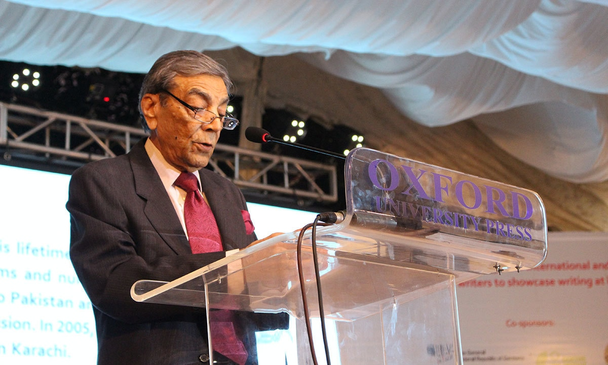 Zia Mohyeddin during his session. — Mahjabeen Mankani