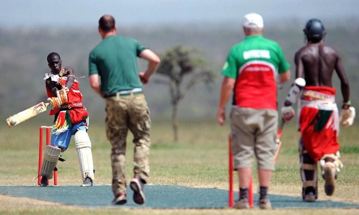 مختلف ٹیمیں قدرتی ریزرو میں تماشائیوں کو اپنے کھیل سے لطف اندوز کر رہی ہیں۔ فوٹو اے ایف پی