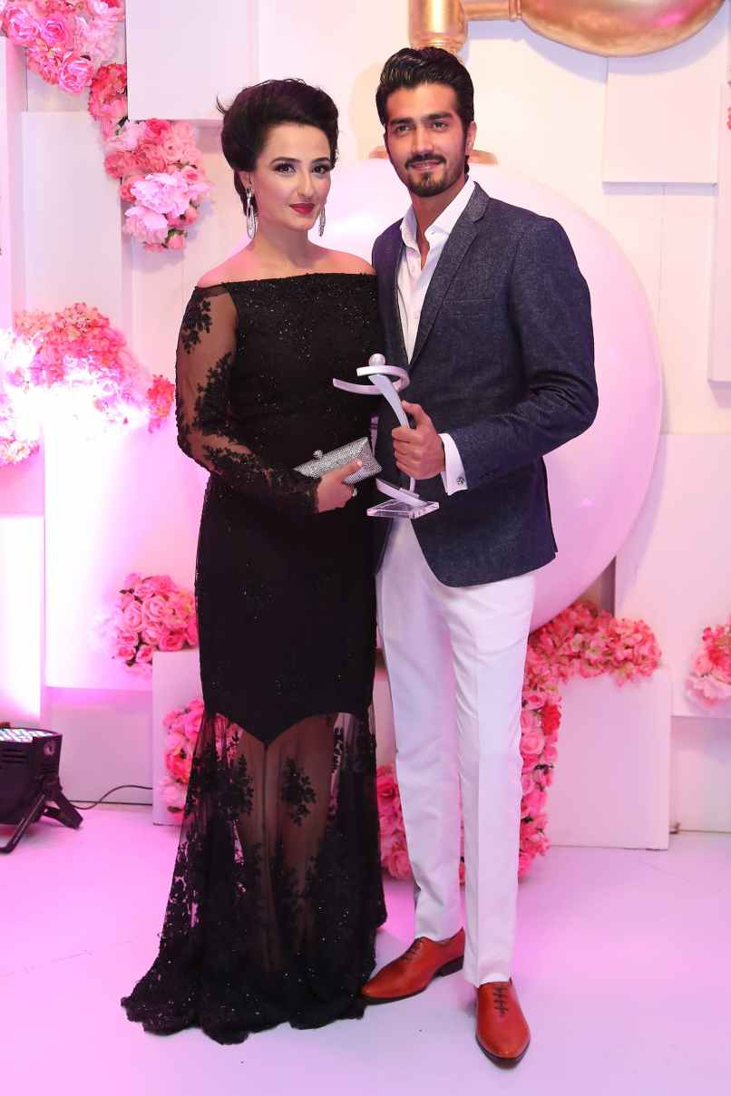 Javed Sheikh's children, Momal and Shehzad Sheikh, accepted his award on his behalf