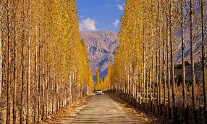 Road to Khaplu — S.M.Bukhari