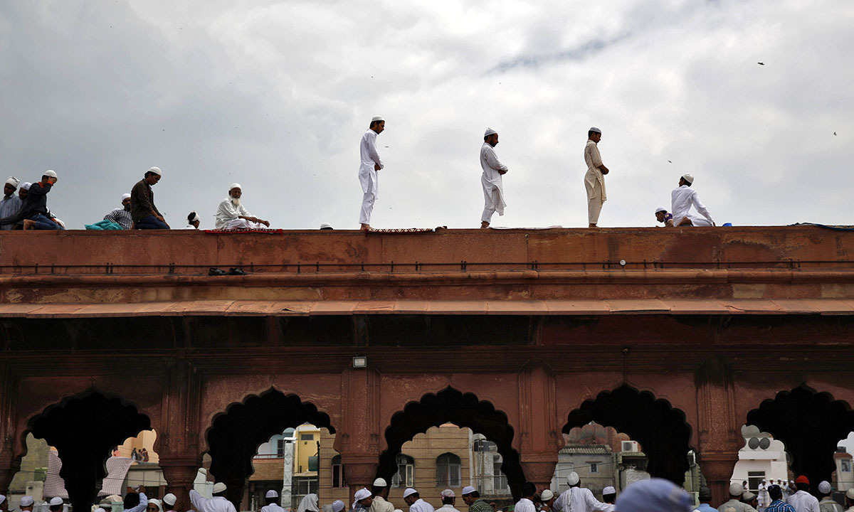 Prayers being offered on the last day of the holy month of Ramzan at Jama Masjid, Dehli   Reuters