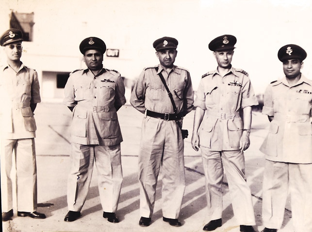 Turowicz with other officers (Chaklala, 1954) -Photos by Tahir Jamal/White Star. Courtesy Pakistan Air Force Museum.