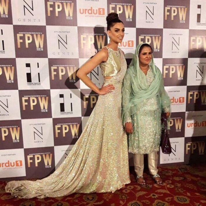 Sahrish Khan and Mukhtaran Mai pose for the cameras at the FPW 2016