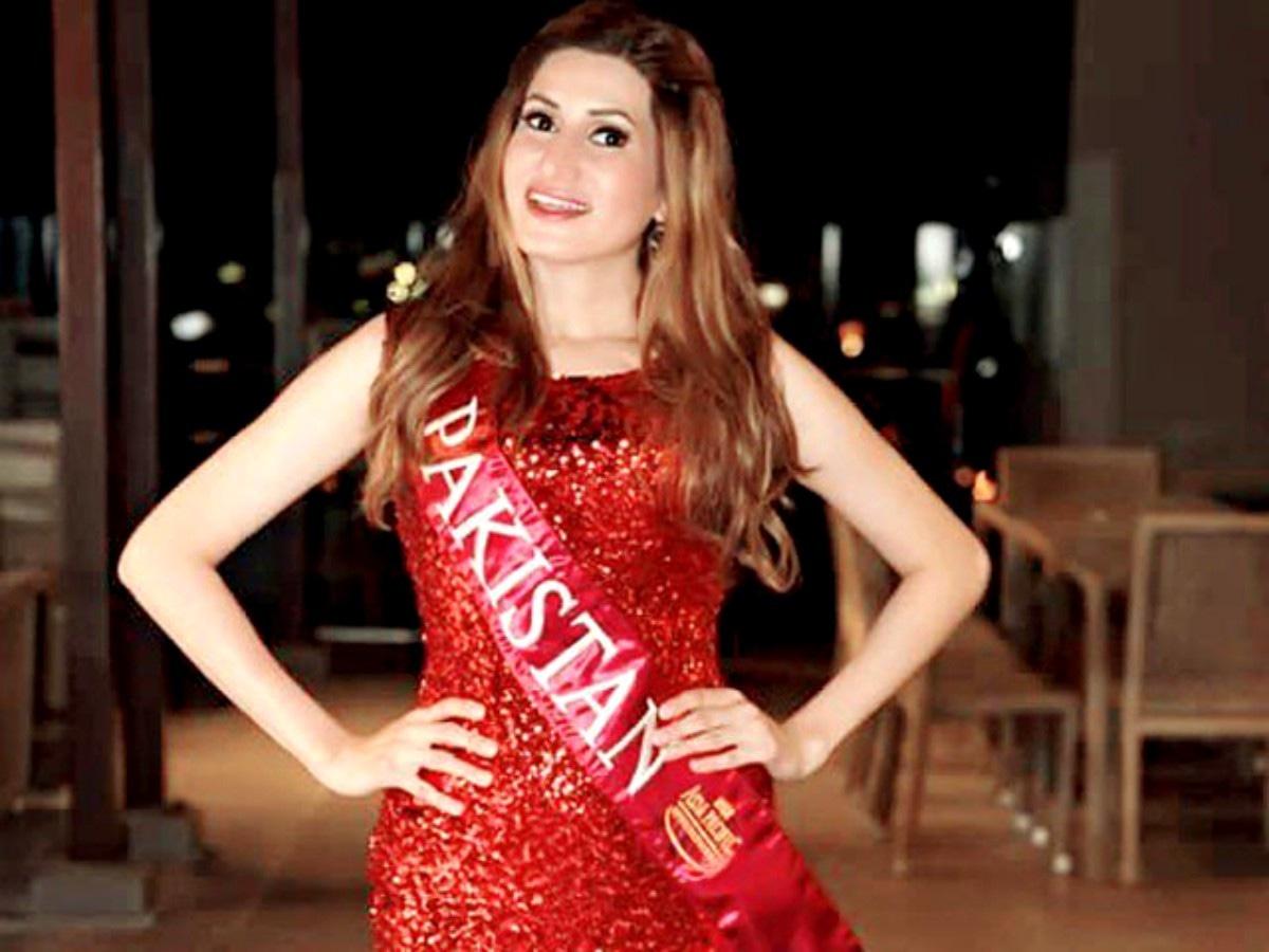 Diya Ali representing Pakistan at Miss Asia Pacific International 2016.