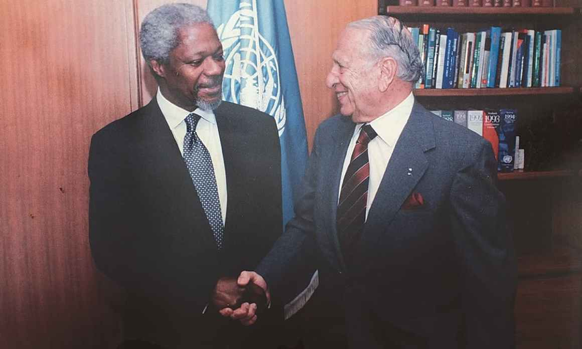 Marker with former UN Secretary General Kofi Annan | Courtesy Jamsheed Marker