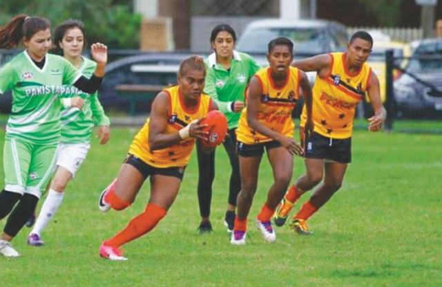 FARZANA Batool (left) in action during Pakistan's match against Papua New Guinea in AFL 2017.