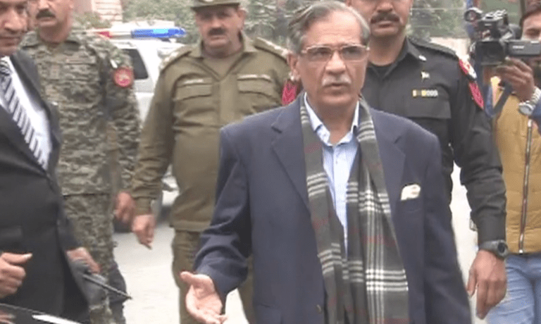 Chief Justice Mian Saqib Nisar arrives at Asma Jahangir's residence to condole with her family.