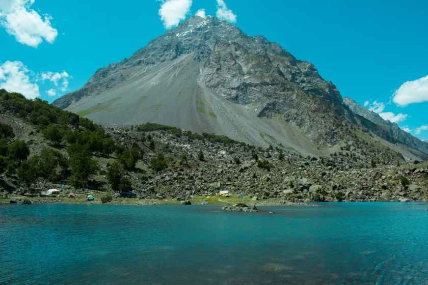 Pari Lake is fed by natural springs and glacial melts