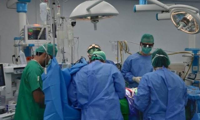 ہسپتال میں آپریشن تھیٹر کا ایک منظر — فوٹو: این آئی سی وی ڈی