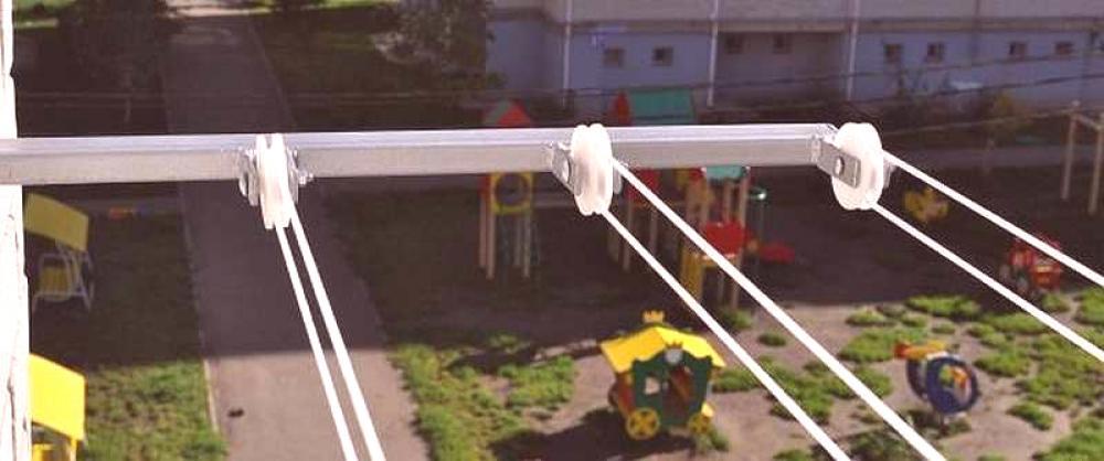 Sechoir A Linge Sur Le Balcon Plafond Mur Vues Photo
