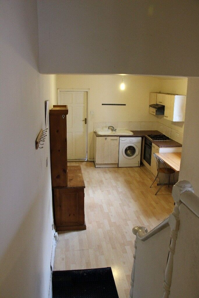 1 Bedroom Flat To In Stratford E15 Part Dss Accepted With Guarantor Only Ref 1003