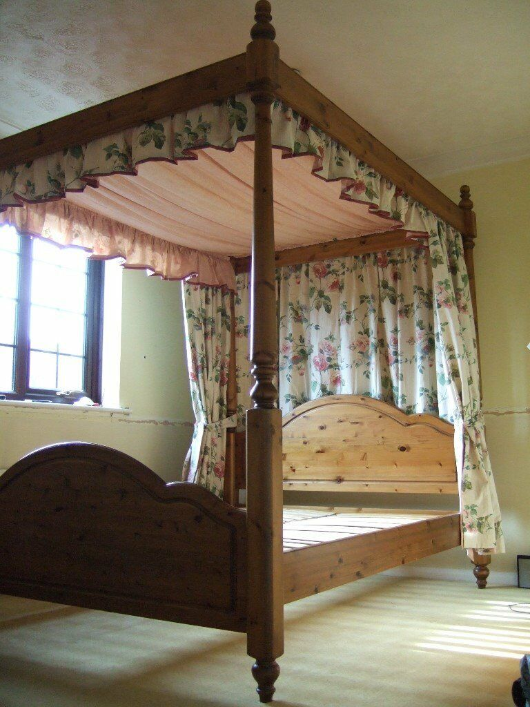 Ducal Pine Kingsize 4 Poster Bed With Canopy And Drapes