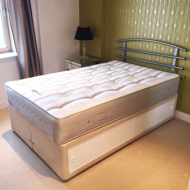 Nearly New Three Quarter Divan Bed With Memory Foam Mattress And Stylish Metal Headboard Included