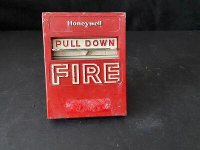 Honeywell S464B1010 Fire Alarm Pull Station