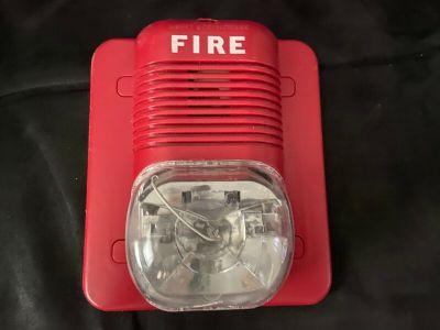 System Sensor P1224MC SpectrAlert Fire Alarm Horn/Strobe Wall Red