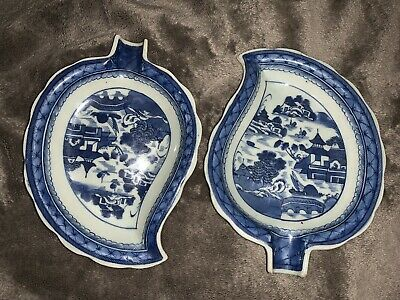 Pair of Chinese Antique Blue and White Porcelain Plate