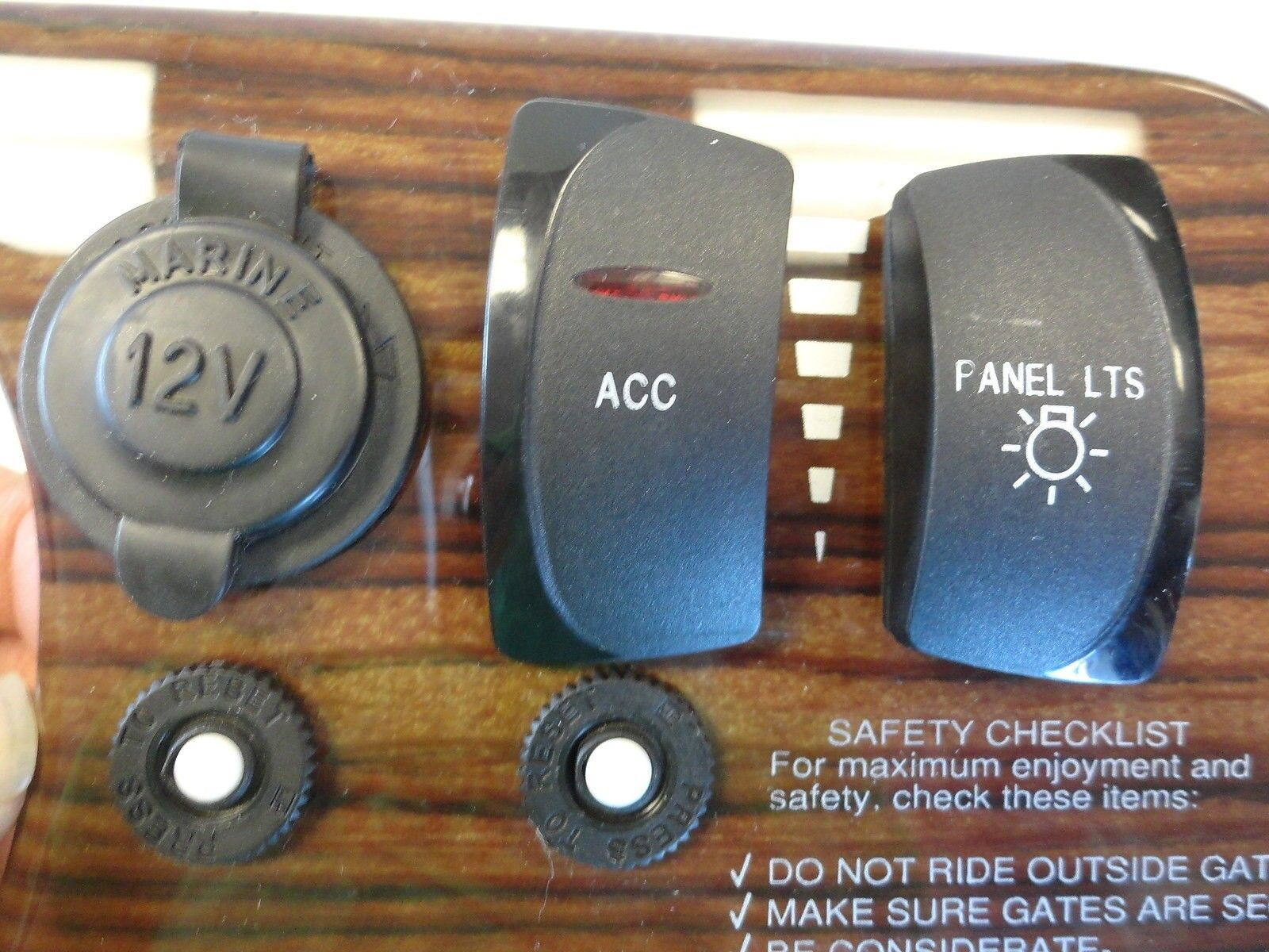 Novatron Woodgrain 12 Volt Rocker Switch Panel K 388