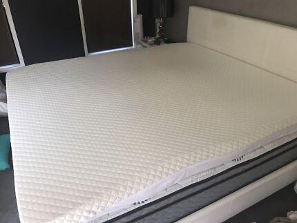 King Size Memory Foam Mattress Topper