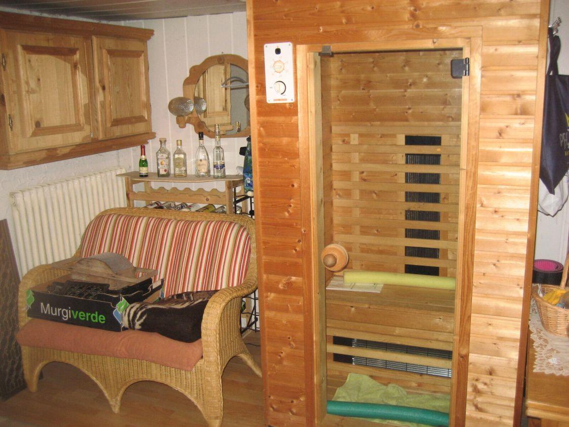 Infrarot-Sauna (Wärmekabine) massiv Holz mit Glastür für 2 Personen im neuwertig