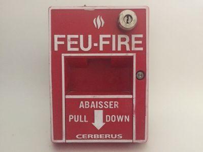 Cerberus Pyrotronics MSI-30B Fire Alarm Pull Station Siemens Faraday French