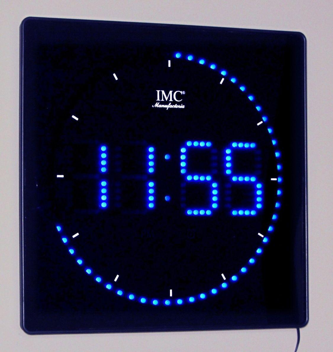 LED - Wanduhr mit Zahlen blau quadratisch digital Uhr Datum Temperatur Alarm P