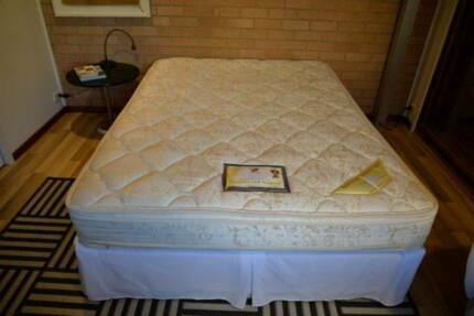 Queen Size Mattress And Base