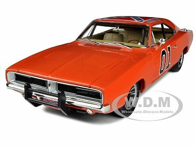 1969 DODGE CHARGER DUKES OF HAZZARD GENERAL LEE 1/18 MODEL CAR AUTOWORLD AMM964