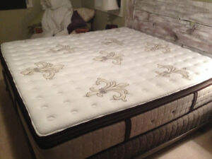 Stearns And Foster Brand New King Mattress Box Spring