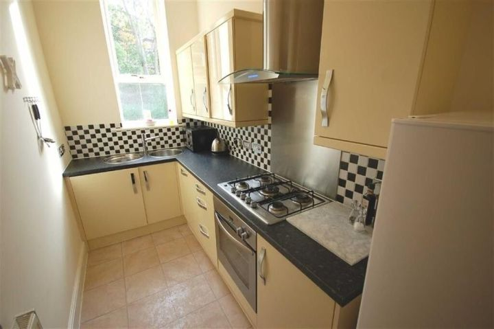 Ious 3 Bedroom Flat In East Ham Part Dss With Guarantor Accepted