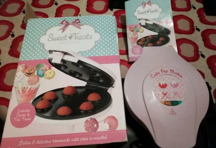 Sweet Treats Cake Pop Maker In Box In Southampton Hampshire