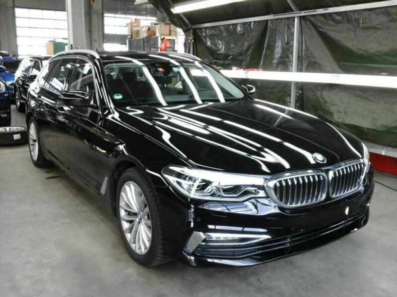 BMW 540d xDrive Touring Aut. Luxury Line VOLL!!