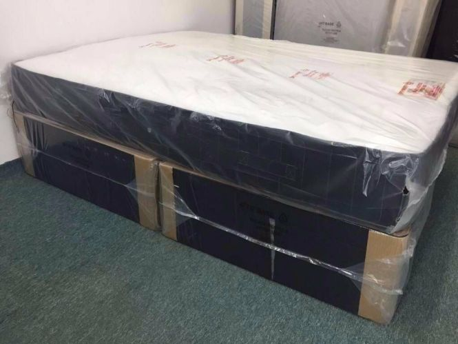 4ft6 Double Bed Black Divan Base And Memory Foam Mattress Free Delivery