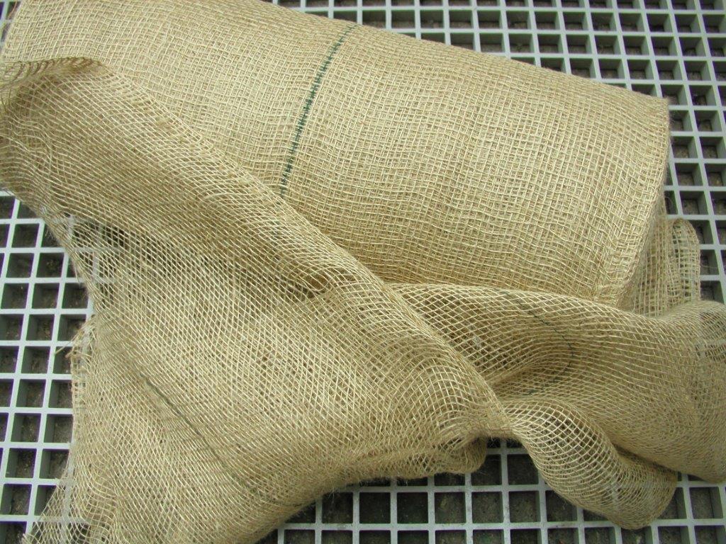 Jutegewebe B 100 cm L 5 Meter Winterschutz für Pflanzen z.B Rosen-Palmen usw