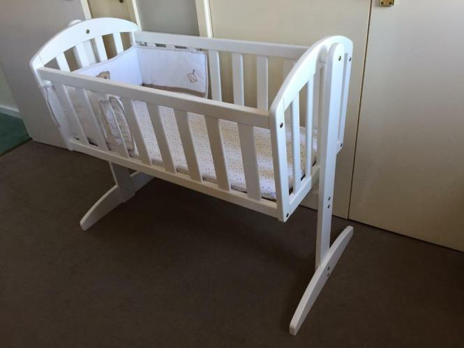 East Coast Vienna Swinging Crib With Mattress And 2 Mothercare Loved So Much Pers