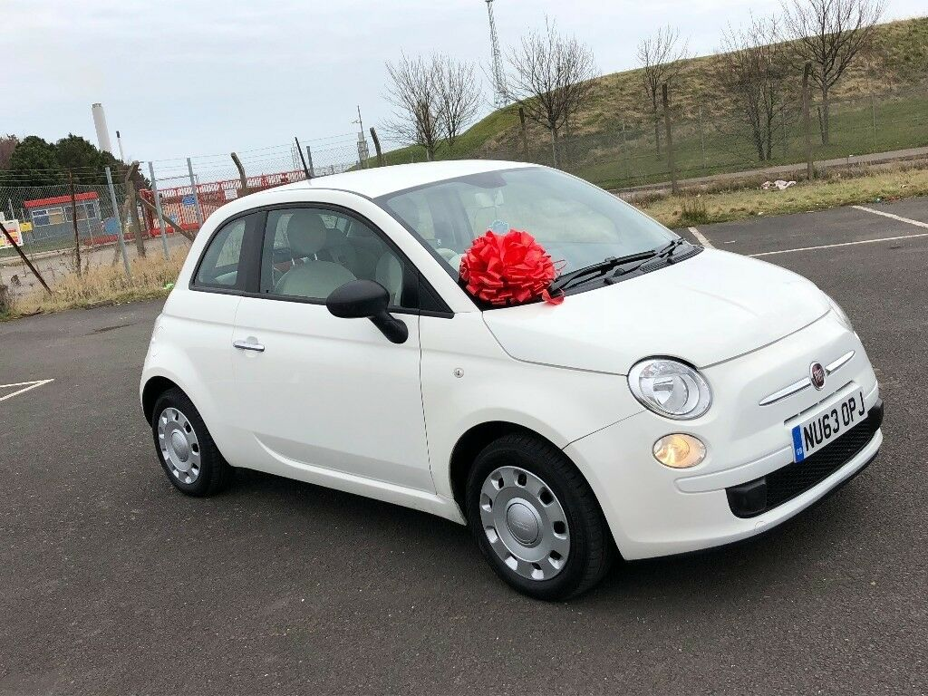 fiat 500 pop white with red interior. Black Bedroom Furniture Sets. Home Design Ideas