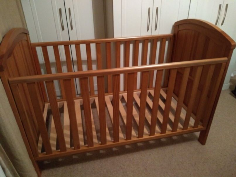 Mothercare Cot Bed Converts To Toddler