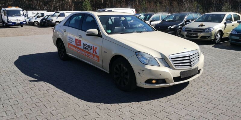 Mercedes-Benz E 200 CDI BlueEfficiency*Tempomat*Navi*PDC*SHZ*