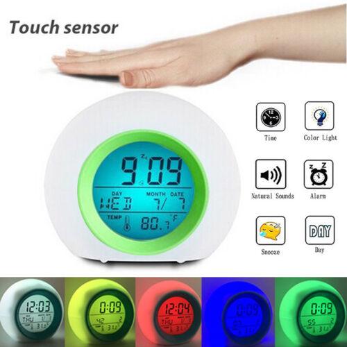 LED Wecker mit Farbwechsel Digital Alarmwecker Uhr Stimmungslicht Nachtlicht