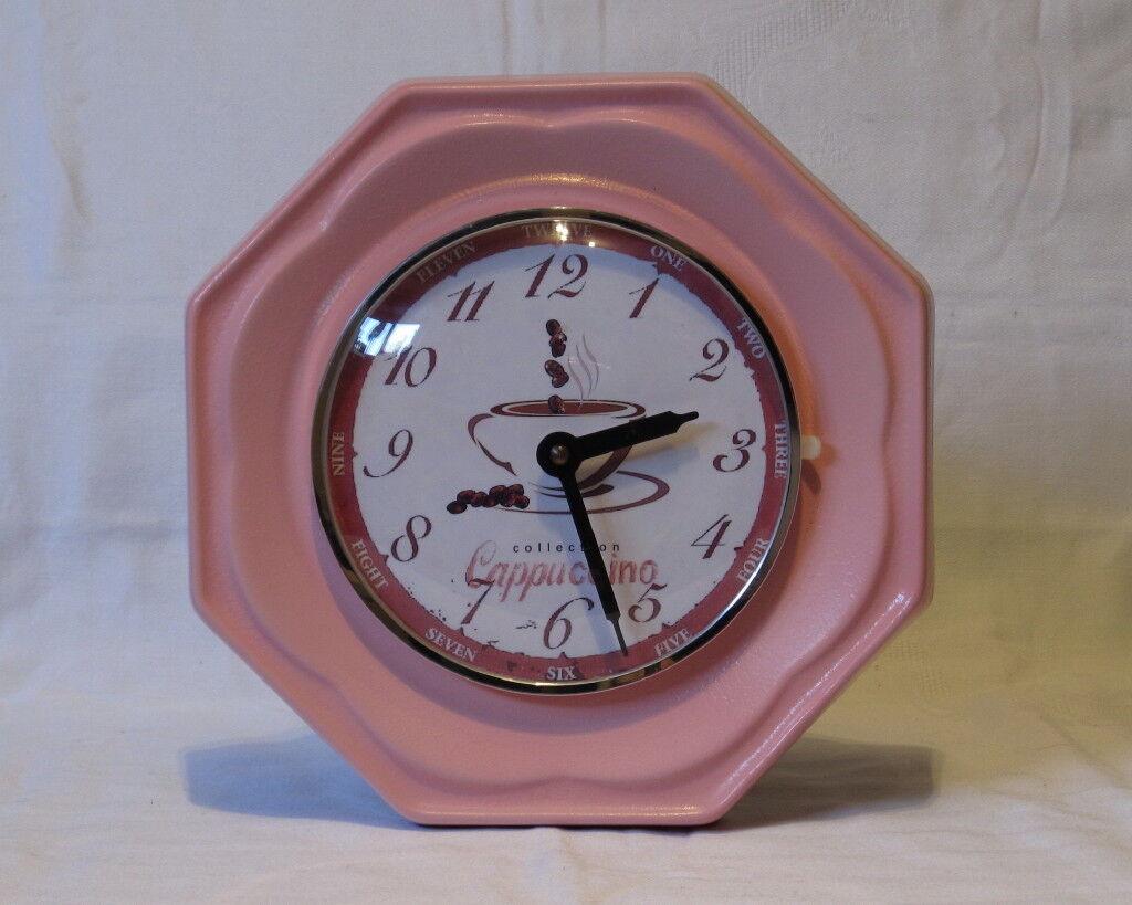 Wunderschöne Küchenwanduhr aus Keramik in pink / rosa, 60erJahre - Quartz !