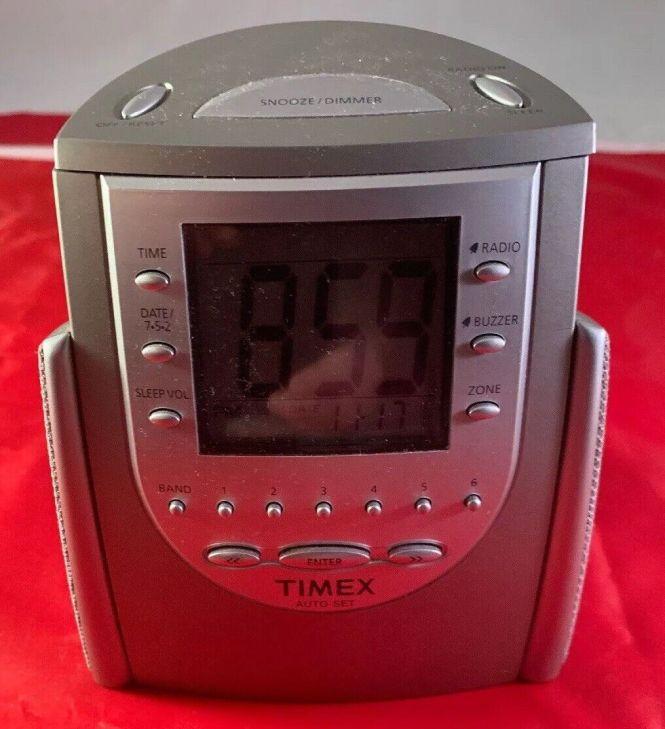 T311t Auto Set Dual Alarm Clock Radio