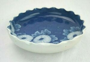 Japanese Meiji HIRADO Ruffled Rim Blue White Low Bowl 8 1/4 inch diameter