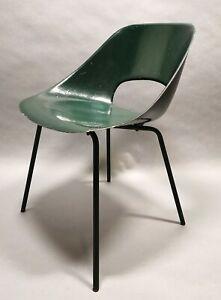 details sur chaise tonneau pierre guariche fibre de verre 1950 s
