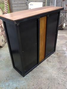 details sur bar industriel fabrication sur mesure meuble industriel metal decoration