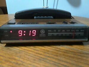 Alarm Clock Radio 7 4711c Wood Grain