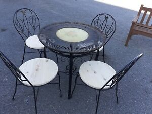 details about patio table metal 30 diameter x 30 high 4 chairs 17 high 16 diameter cushions
