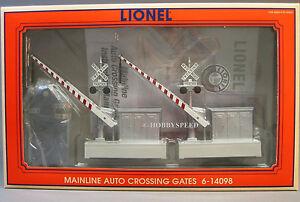 LIONEL MAINLINE AUTO CROSSING GATES train intersection o